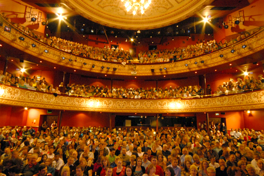 Full Audience April 2009